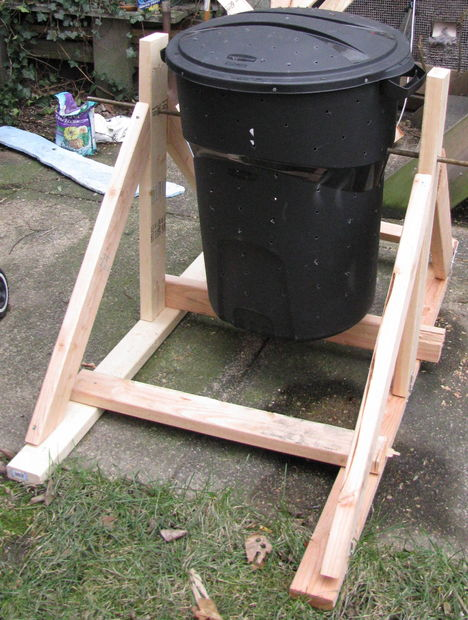 kitchen compost container stainless steel tables 7 diy tumbler ideas and tutorials – the self ...