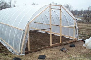 12 Hoop House Plans To Enjoy Gardening Throughout Winter The