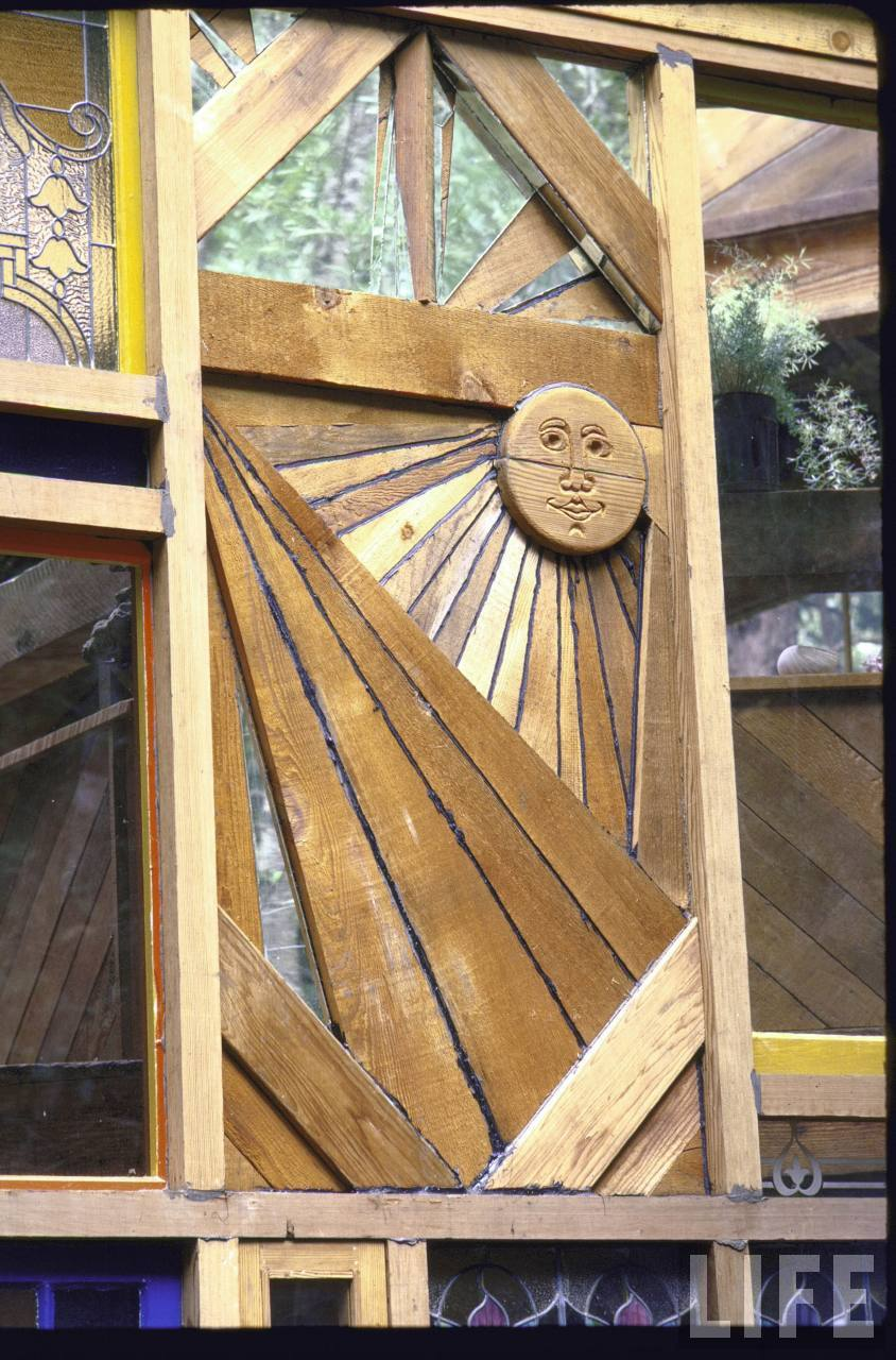 Here, a wooden sun was carved as a personal signature by one of the five carpenters that worked on the house.