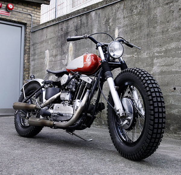Wrenchmonkee's insane flat track inspired sportster with an old Huskvarna tank.