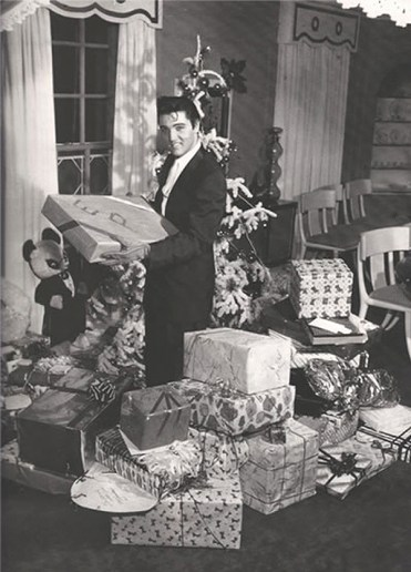 christmas-with-elvis-4