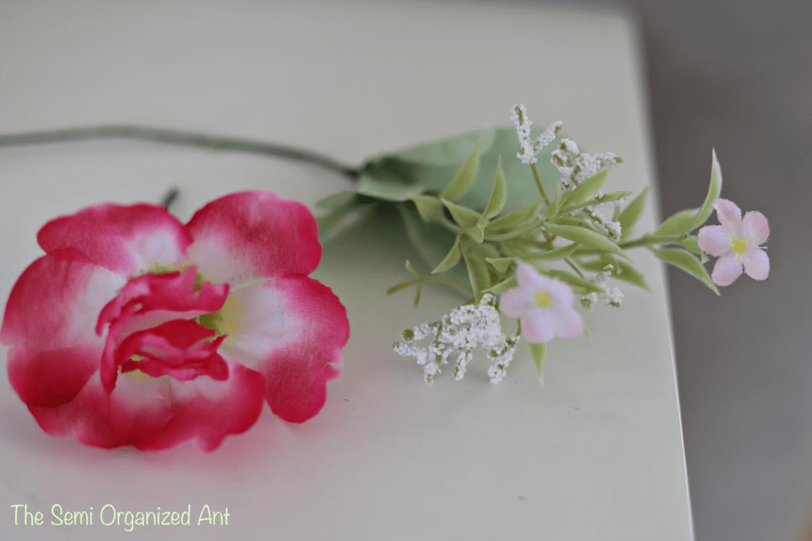 Simple Spring Table Decor Ideas - The Semi Organized Ant
