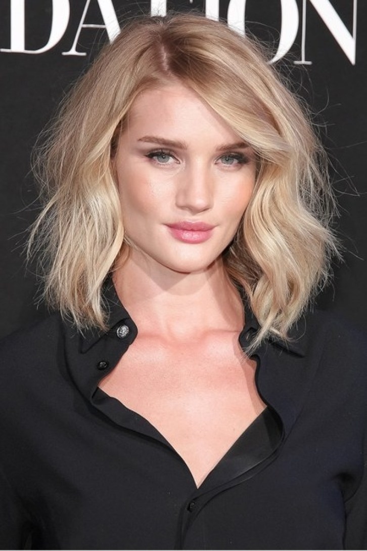 Rosie-Huntington-Whiteley_glamour_7jul15_rex_b_426x639