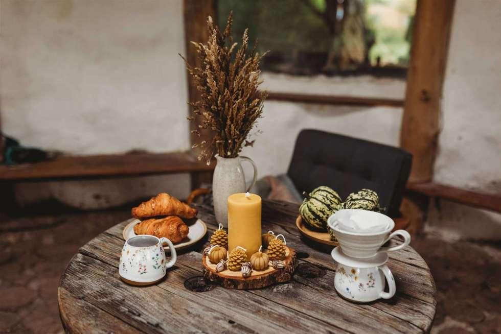 autumnal pumpkin table