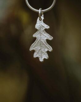 silver oak leaf necklace main
