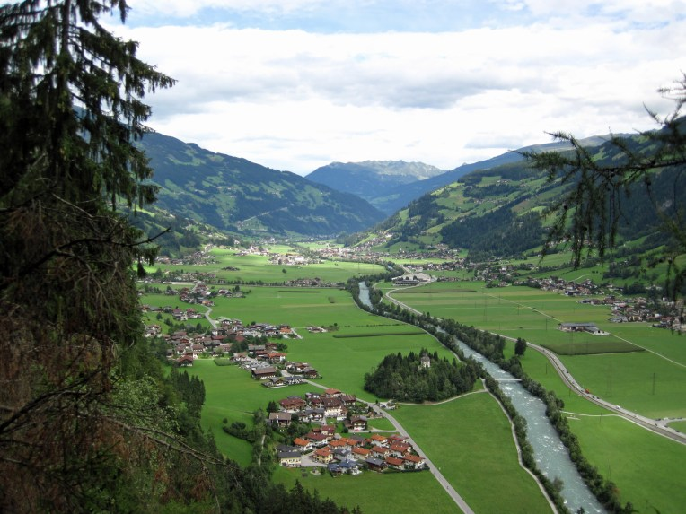 The Zillertal seen from the descent from the Klettersteig Huterlaner.