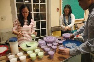 Students at Bubble Tea and Origami Night