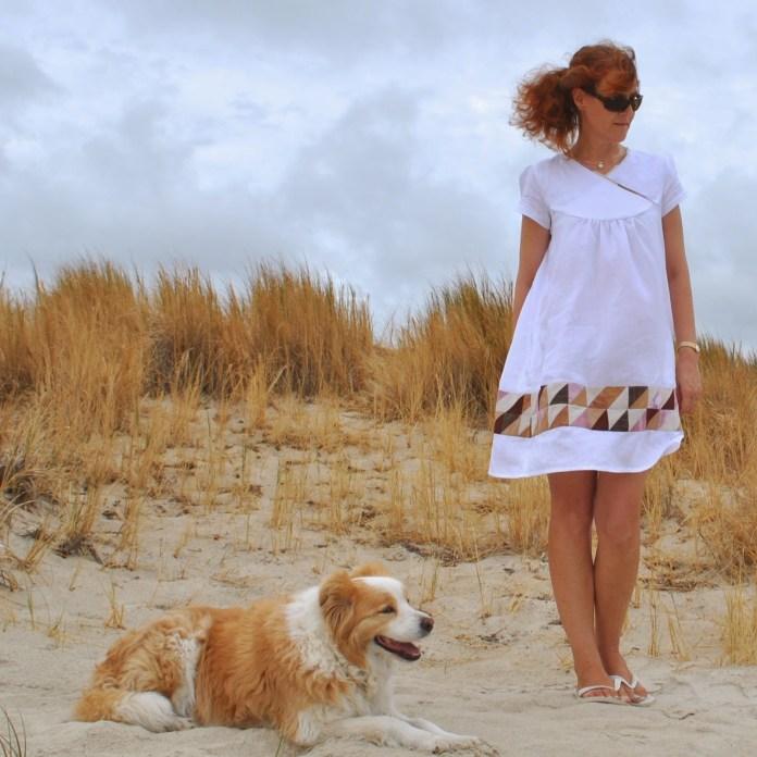 http://handmadebycarolyn.blogspot.com/2014/05/white-linen-dress-with-patchwork.html