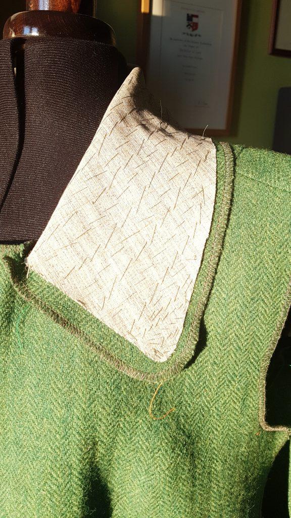 Pad stitching on the undercollar