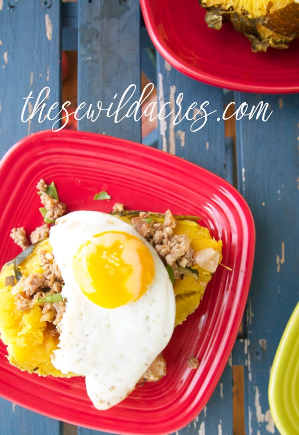 Breakfast Style Stuffed Acorn Squash in the Instant Pot