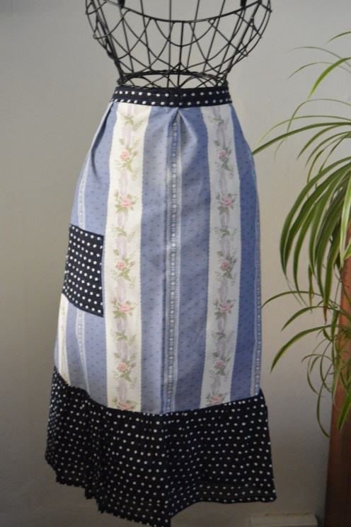 handmade aprons from TheSewingNookUK