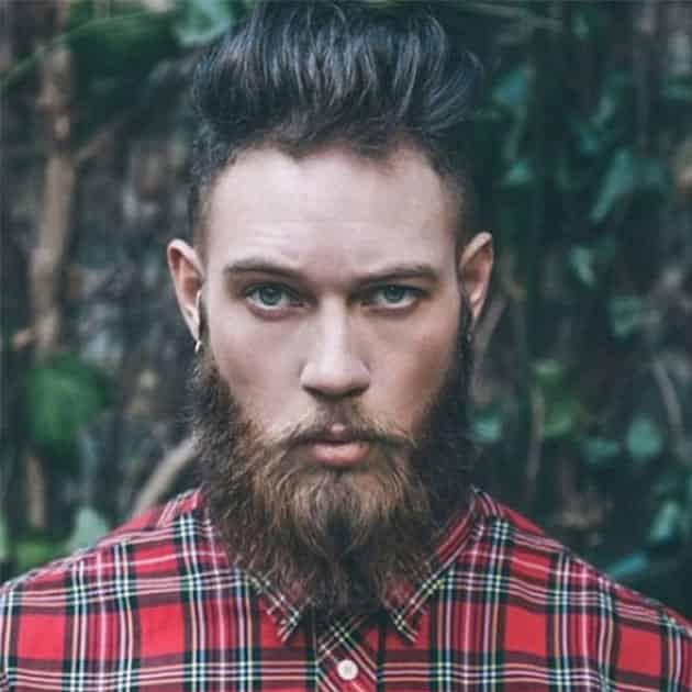 Full Extended Jaw Beard with Medium Hair
