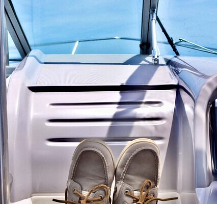 how to clean boat shoes