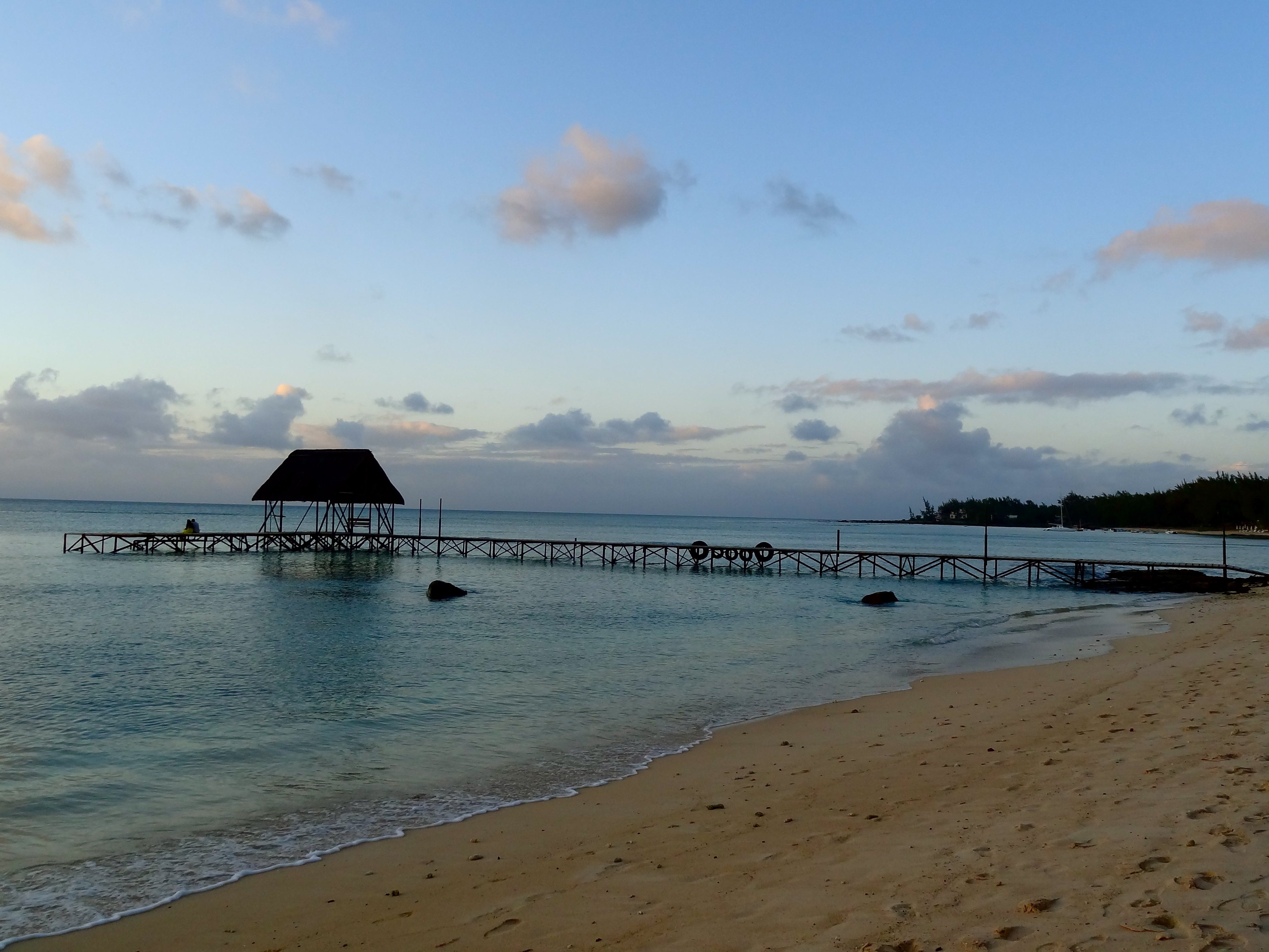 beach chairs on wheels hang around chair target pampering myself at le meridien in mauritius: a review. | the shooting star