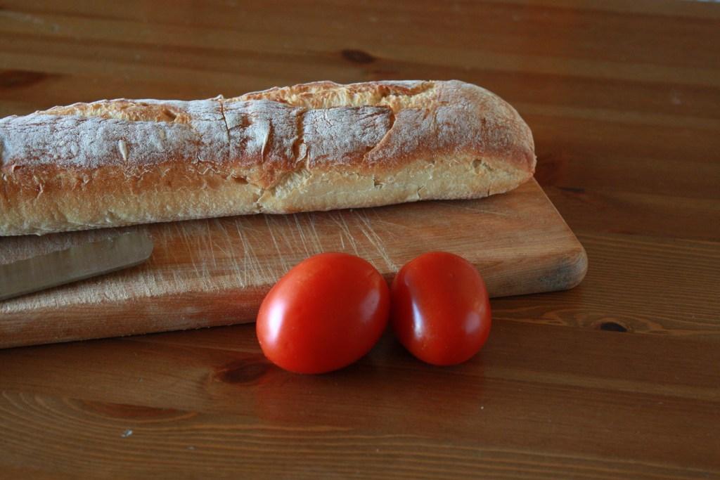 Easy Tomato Basil Bruschetta baguette