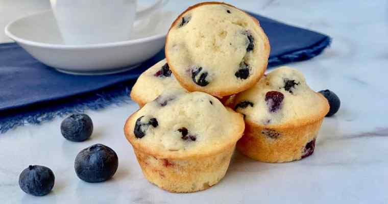 Old-Fashioned Mini Blueberry Muffins