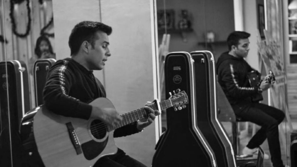 Anuv Jain Singer: Know everything about this talented singer with a magical voice and why he's being compared to Prateek Kuhad