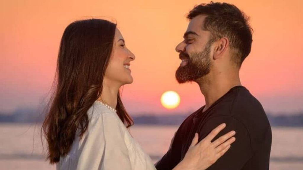 Valentine's Special 2021 : Anushka Sharma wishes Virat Kohli on Valentine's Day with this beautiful sunset picture!