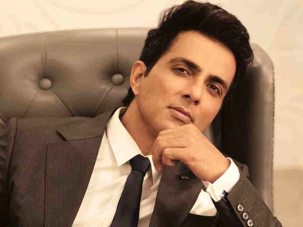 Is Sonu Sood really helping? Or is he creating fake requests? Check out the trolls and comebacks on Sonu Sood, who is providing essentials for COVID-19 patients.