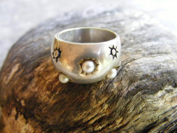 Lisa Jenks Starburst Pearl Ring