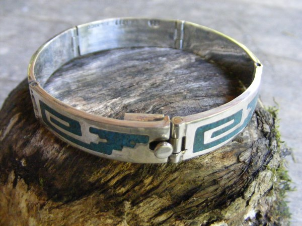 Hinged Bracelet with Turquoise Chips – Vintage Mexican