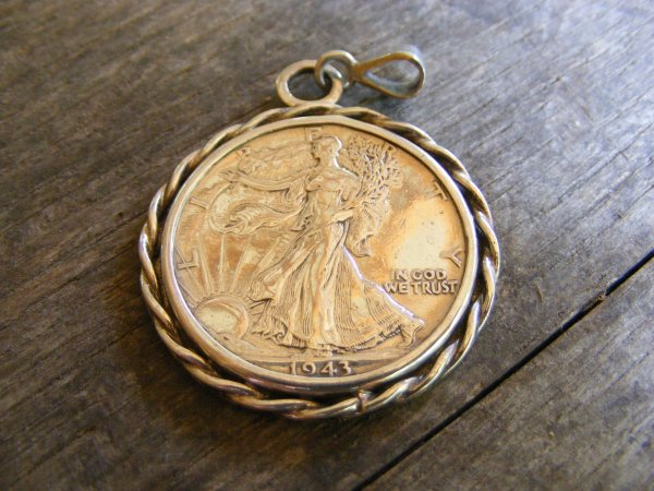 Rope Walking Liberty Pendant