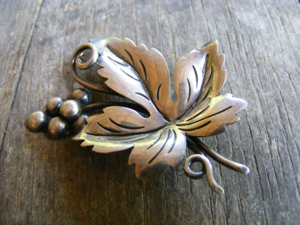Grape Leaf Pin – Vintage Mexican