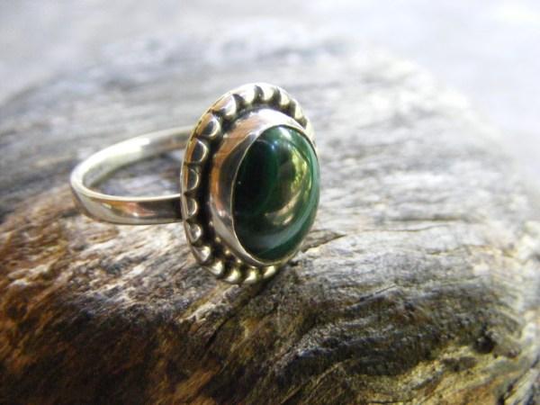 Malachite Ring – Beaded