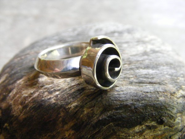 Three-D Spiral Ring – Vintage Mexican