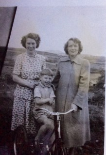 Di, sister in law Nancy Gallagher and our older brother Donal c.1950s (thesilvervoice)