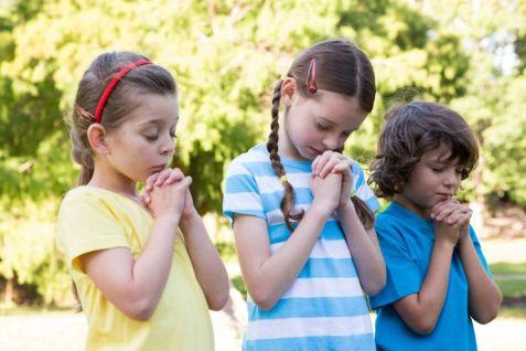thumbnail_Children-Praying-Together.jpg