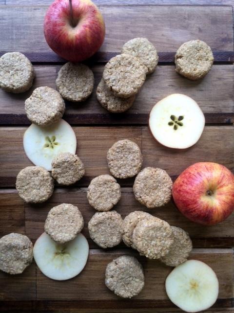 Galletas de Manzana, Avena, y Mantequilla de Maní 1