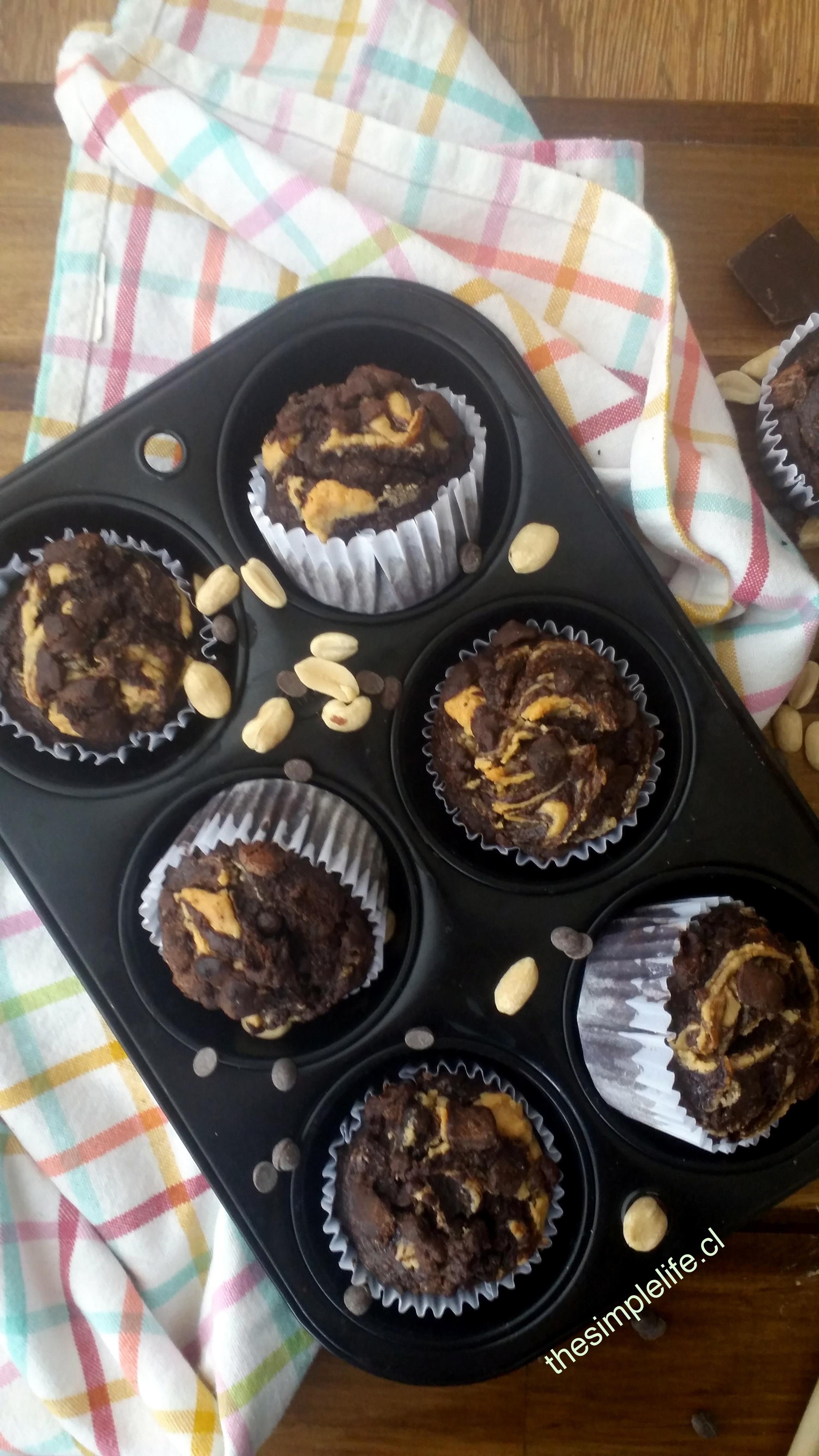 Muffins de Chocolate, Plátano, y Mantequilla de Maní 1