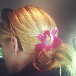pretty-updo-with-flower