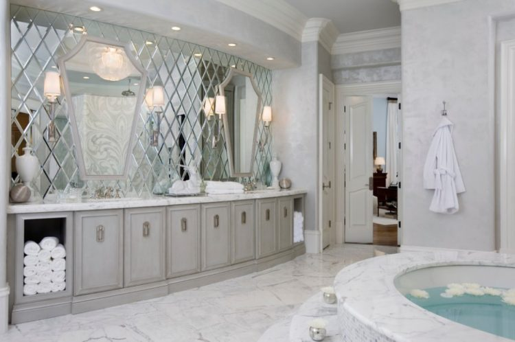 Enjoy Your Bath Time With These Beautiful Design of Bathroom Mirror Ideas 13