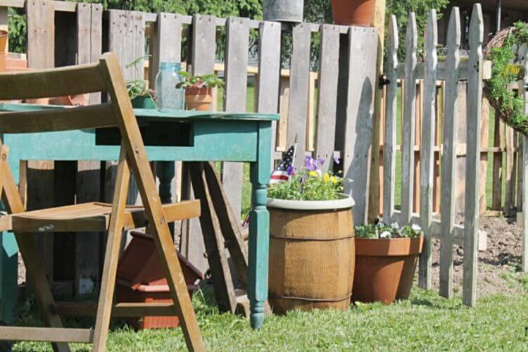 22 Wonderful Pallet Fence Ideas for Backyard Garden