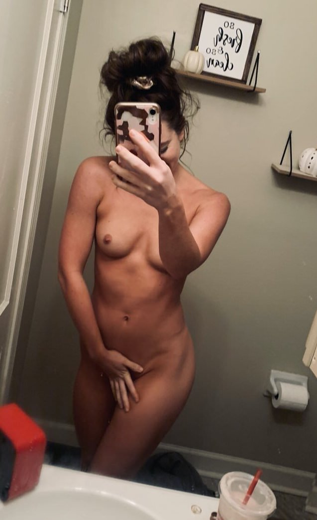 Bailey Bootles Nude Leaked Onlyfans Photos!