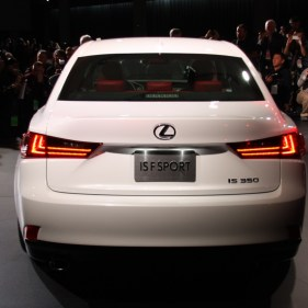 2014-lexus-is-detroit-2013---11