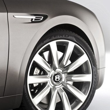 008-bentley-flying-spur