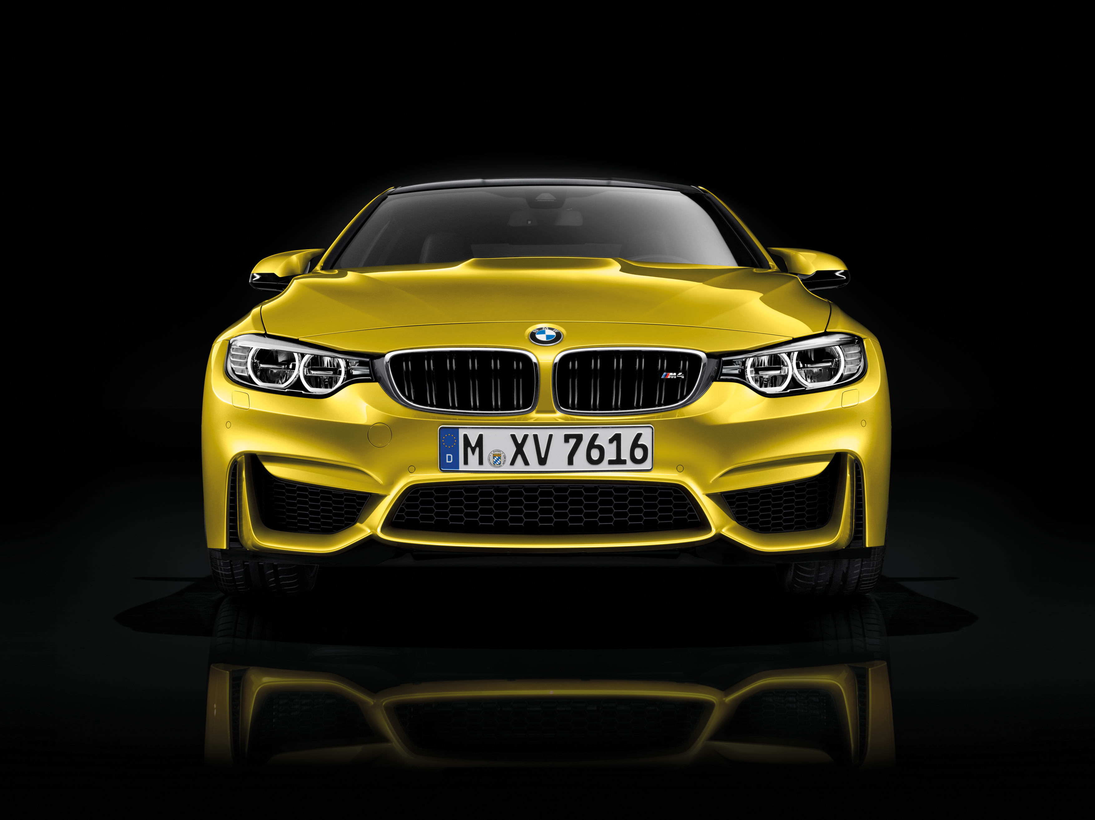 2015 BMW M4 Coupe Stills - (2) - SMADEMEDIA.COM Galleria