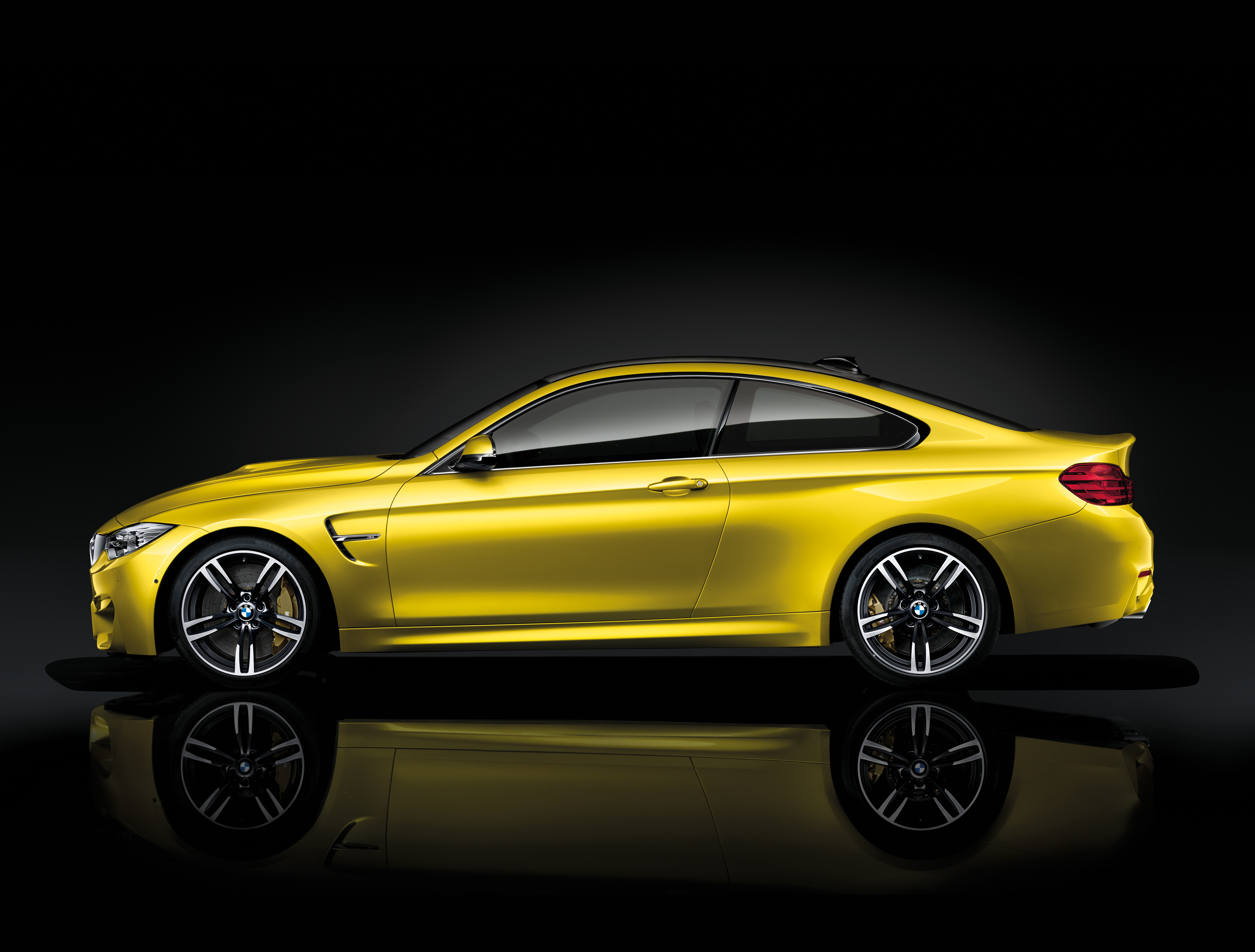 2015 BMW M4 Coupe Stills - (4) - SMADEMEDIA.COM Galleria