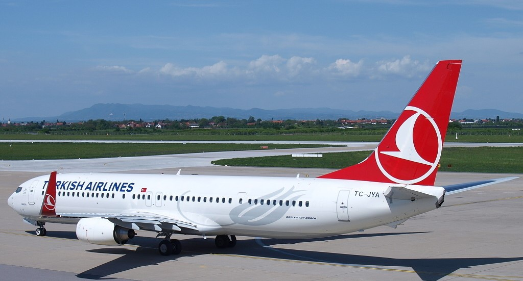 SMADE MEDIA - Turkish Airlines Boeing 737-900ER TC JYA - WWW (11)