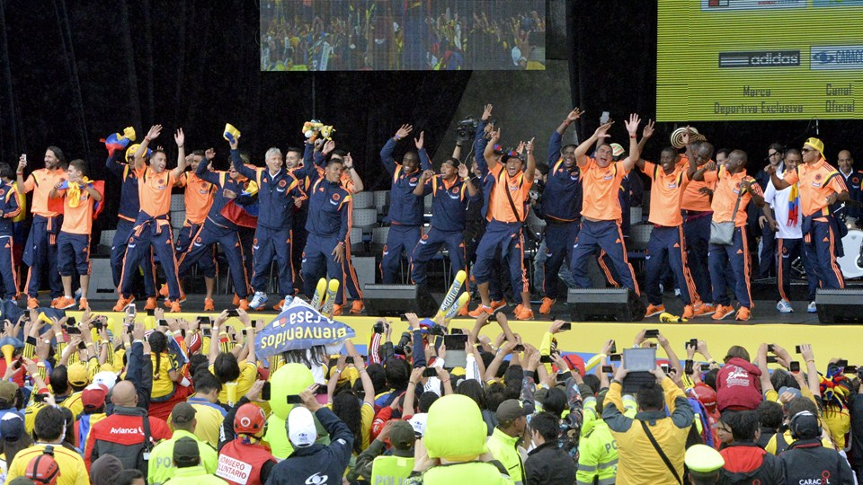 SMADE SPORTS - 2014 FIFA WORLD CUP - COLOMBIA NATION TEAM CELEBRATES ACCOMPLISHMENTS - WWW.SMADEMEDIA (10)