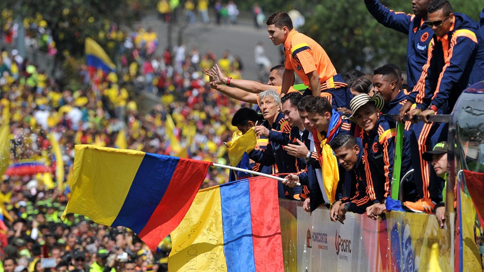 SMADE SPORTS - 2014 FIFA WORLD CUP - COLOMBIA NATION TEAM CELEBRATES ACCOMPLISHMENTS - WWW.SMADEMEDIA (8)