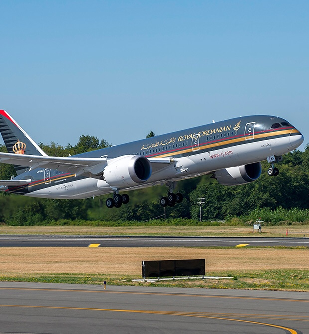 SMADE MEDIA - Royal Jordanian 787 Dreamliner