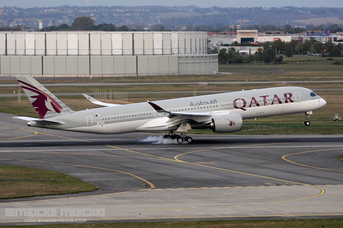 QATAR A350 Roll Out AND First Flight - SMADE MEDIA (6)