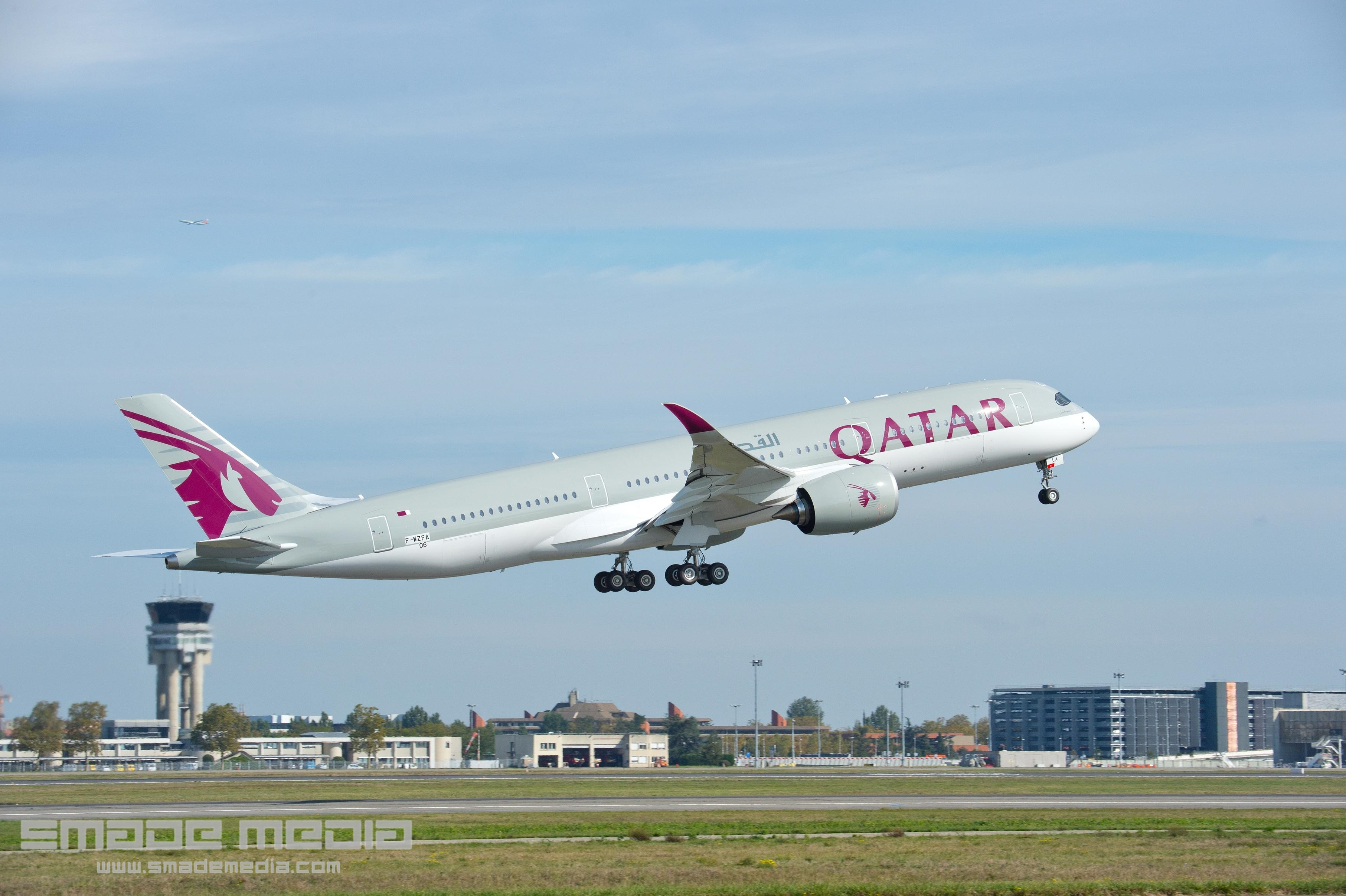 QATAR A350 Roll Out AND First Flight - SMADE MEDIA (7)