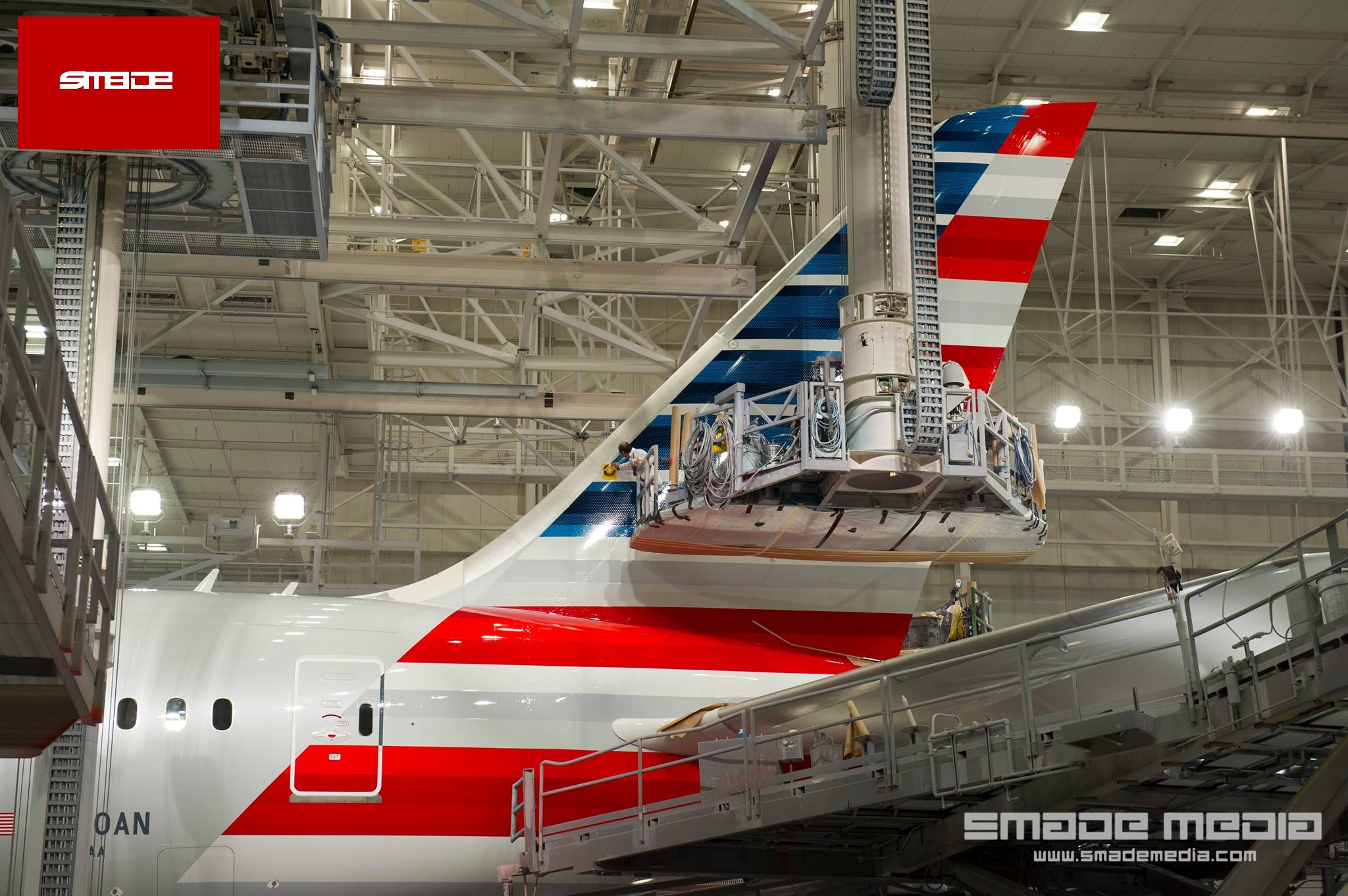 Photo of American Airlines Dreamliner in Paint Shop
