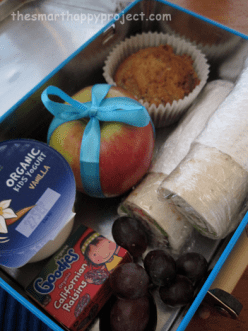 lunchbox with wrapped apple star