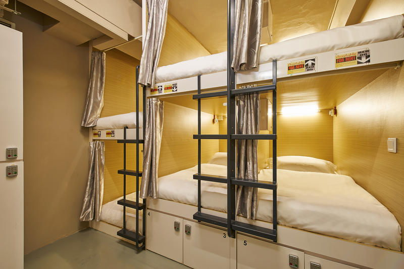 10 Fancy Capsule Hotels In Singapore To Dominate With Your